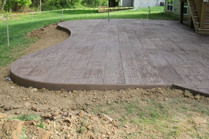 Do-It-Yourself Cement Patio   DIY projects for everyone! on Diy Concrete Patio Ideas id=47266