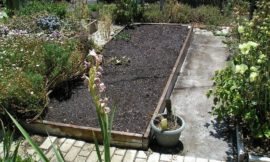DIY Concrete Garden Bed Brace