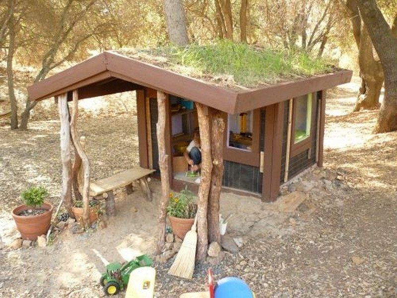 DIY Cob Playhouse01