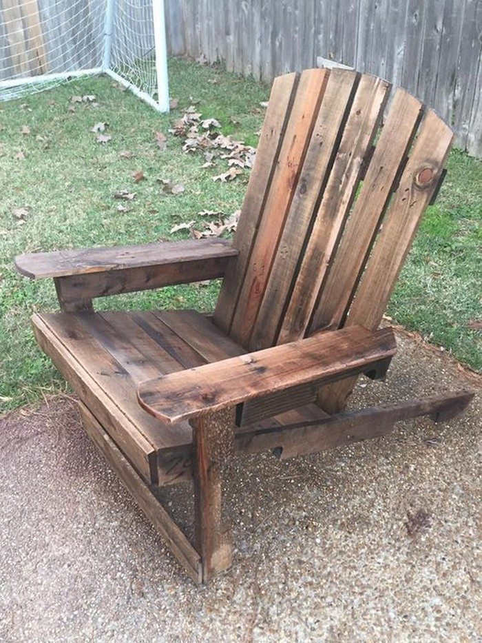 Recycled Pallets Turned Into An Adirondack Chair – Pallet Adirondack Chairs