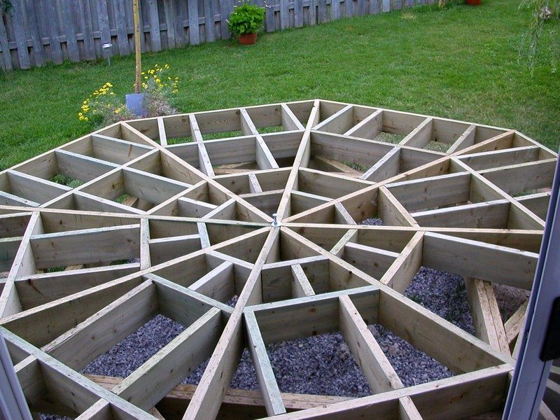 How to build an octagonal deck diy projects for everyone for Octagon deck plans