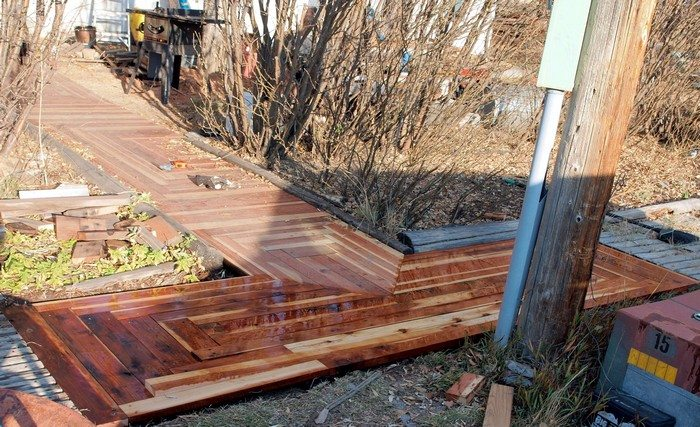 How To Turn Reclaimed Timber Into A Sidewalk Diy