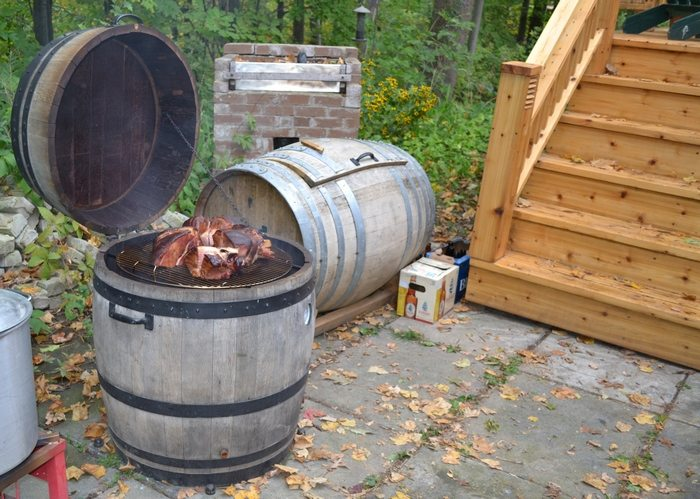 This Diy Barbecue Smoker Is Diffe As It Doesn T Have A Hinged Door For Adding Removing Charcoal While Cooking Heat Regulation Done Simply By Cing