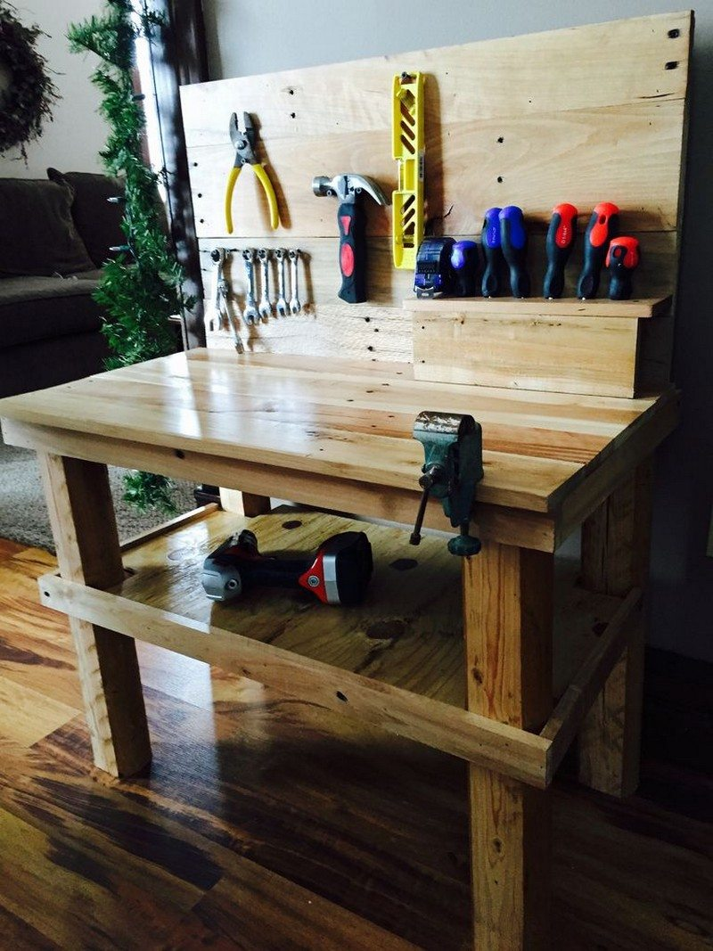 A Pallet Workbench For Future Builders Diy Projects For