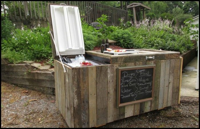 How to Turn an Old Fridge into an Awesome Rustic Cooler ...