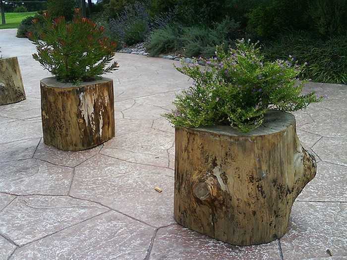 How to make your own tree stump planter diy projects for for Diy tree stump projects