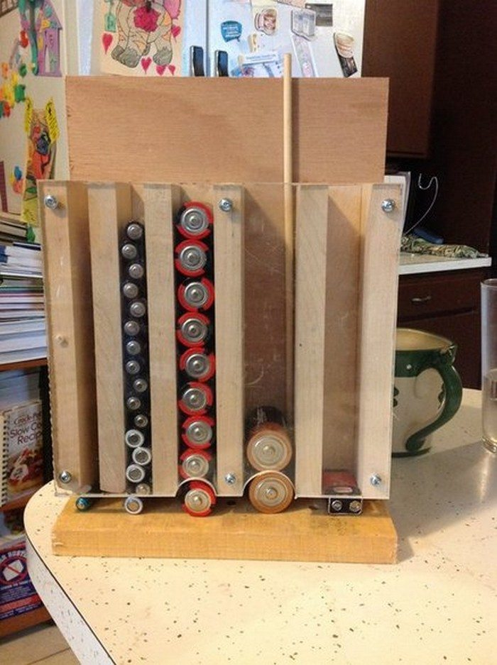 Homemade Drop Down Battery Dispenser Diy Projects For