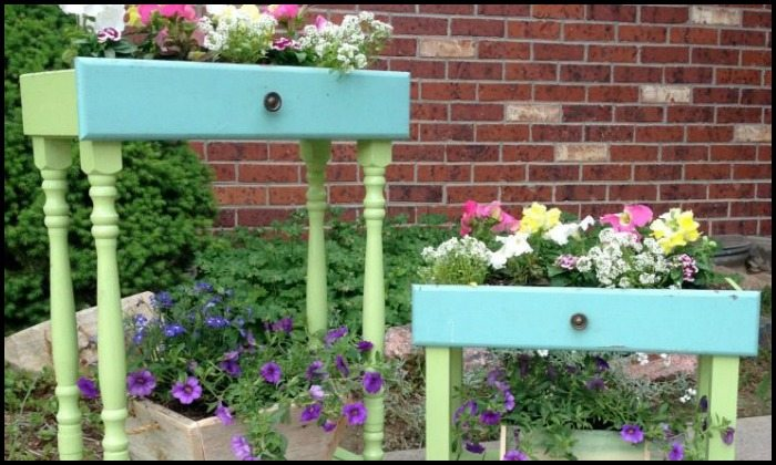 Turn old drawers into porch planters