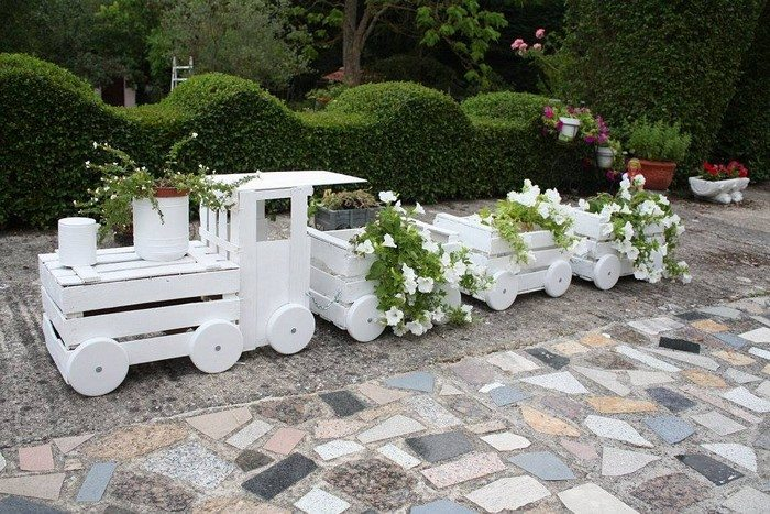 Transform Old Crates into a Train Planter