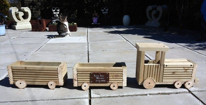 Transform Old Crates Into A Train Planter Diy Projects For Everyone