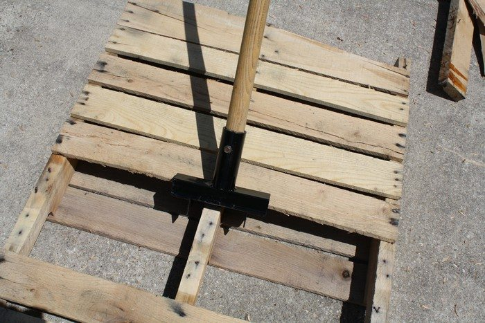 Make your own pallet breaker!