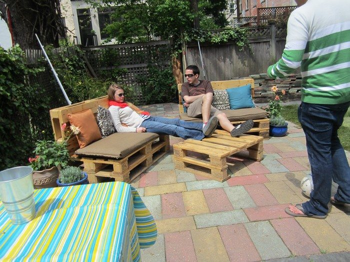 turn old pallets into patio furniture diy projects for everyone