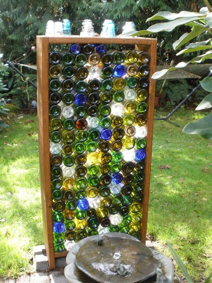 How to build a bottle privacy screen : DIY projects for everyone!