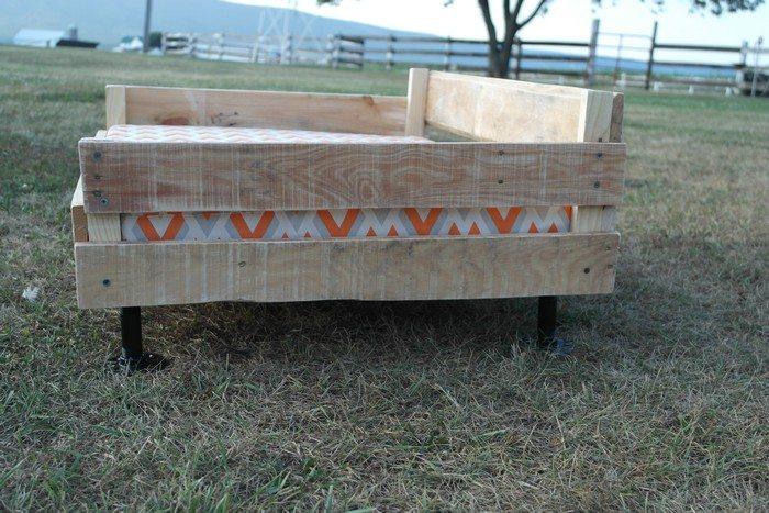 DIY Dog Pallet Bed