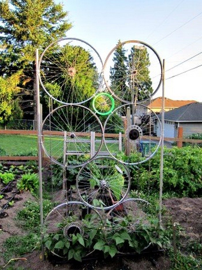 Garden trellis from old bike tires diy projects for everyone
