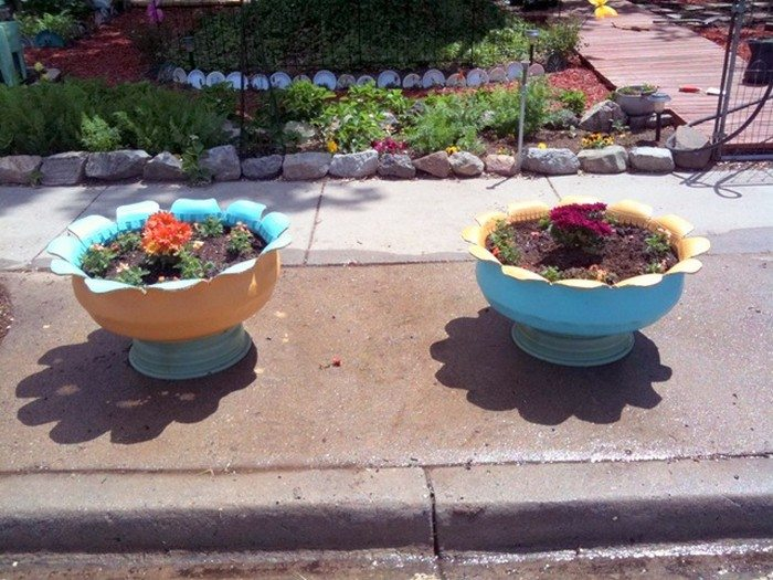 An attractive planter from an old tire diy projects for everyone