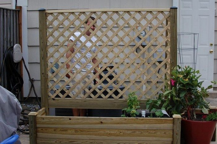 How To Build A Planter With Privacy Screen Diy Projects