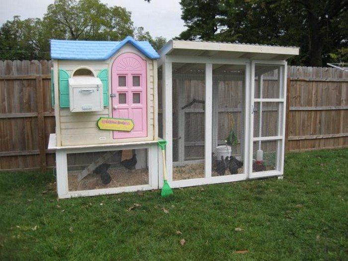Turn an old playhouse into a chicken coop