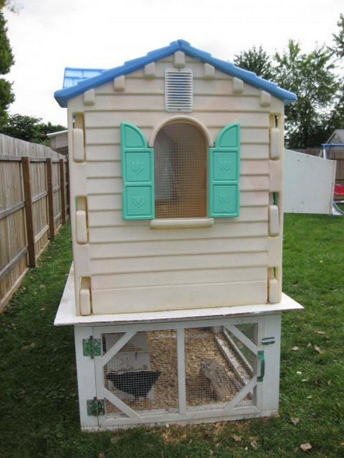 Turn An Old Playhouse Into A Chicken Coop Diy Projects For Everyone