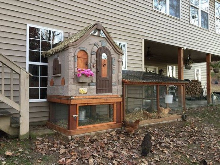 Turn an old playhouse into a chicken coop | DIY projects ...