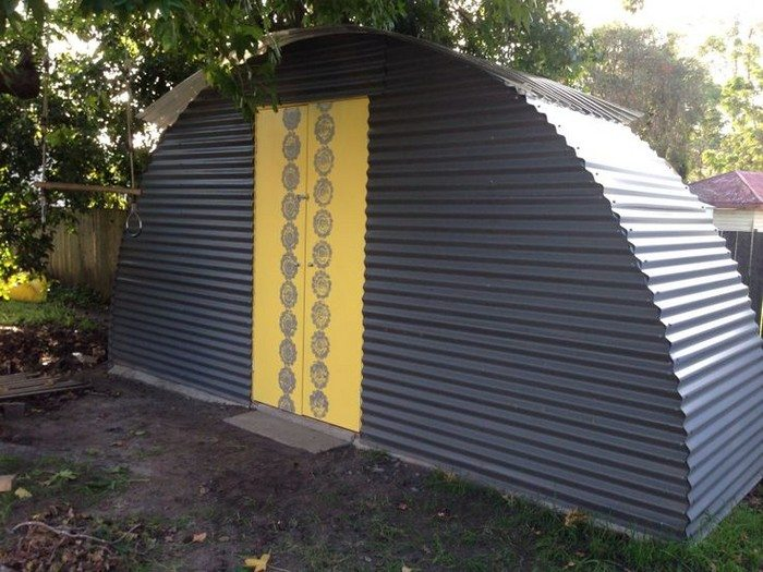 Turn an old trampoline into a shed | DIY projects for everyone!