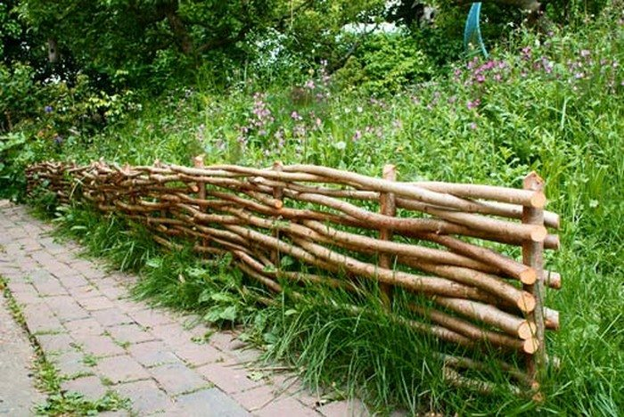 How To Make A Wattle Raised Garden Bed Diy Projects For