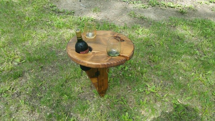 DIY Portable Wine Table for Picnics