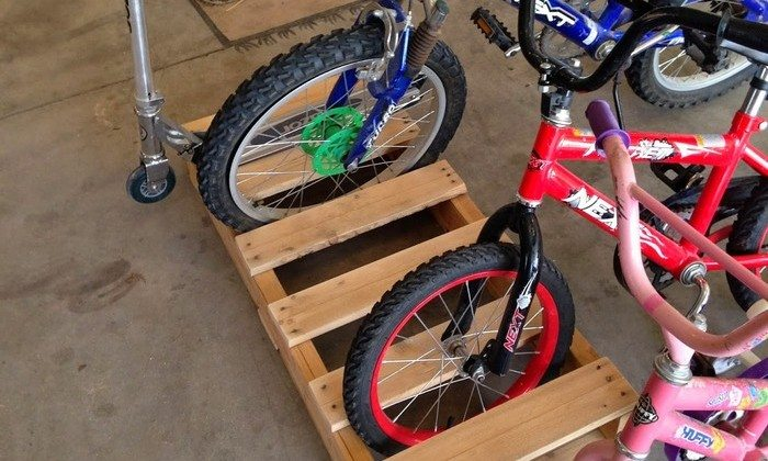 Build a bike rack from recycled pallets