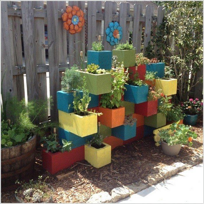 Diy Flower Gardening Ideas And Planter Projects: Vertical Garden From Cinder Blocks