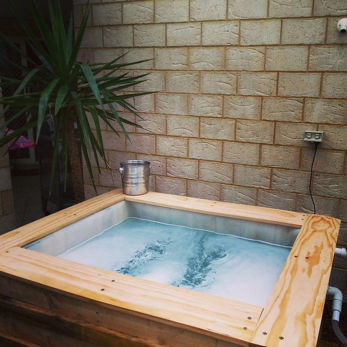 Swimming Pool From Recycled Pallets Diy Projects For Everyone