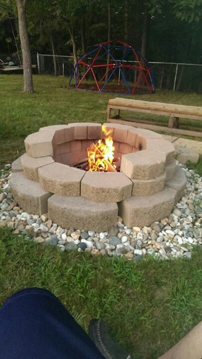 Build A Fire Pit From Cement Landscape Blocks Diy Projects For Everyone