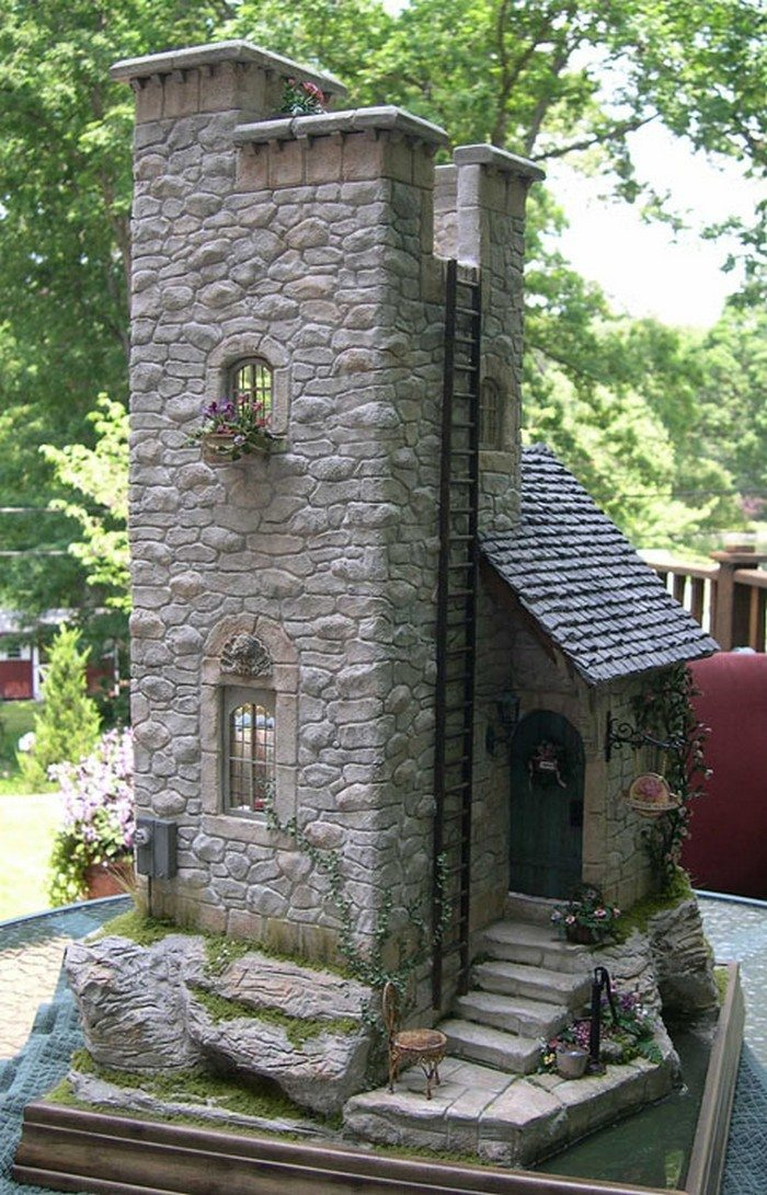 Make a miniature stone fairy house diy projects for for Casas para jardin madera