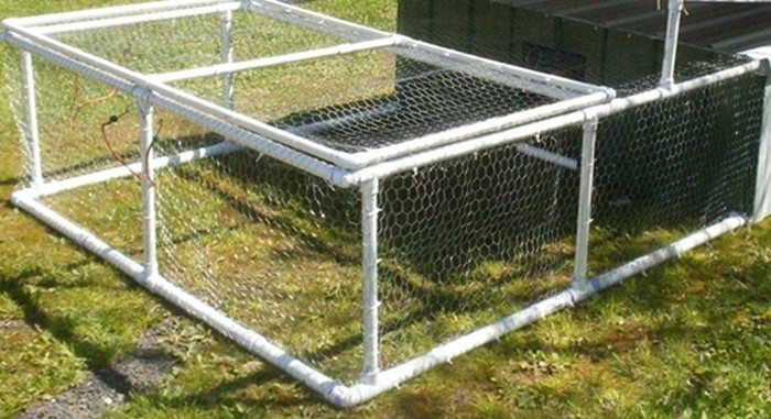 Build a chicken tractor from pvc diy projects for everyone for Pvc chicken tractor plans