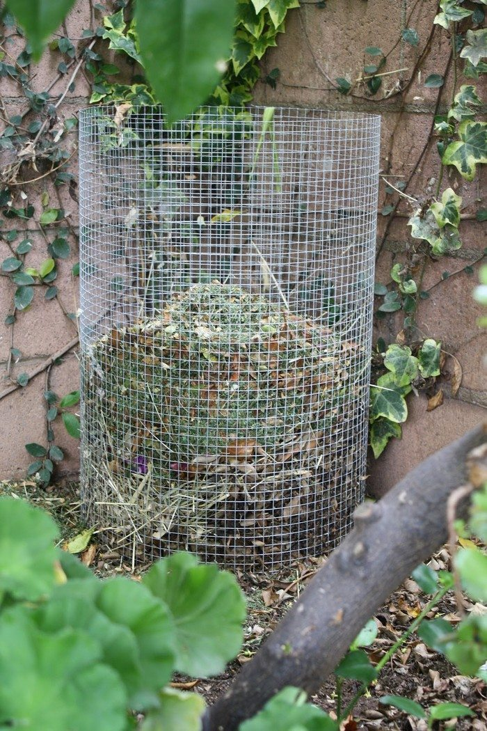 How To Make A Wire Mesh Composter Diy Projects For Everyone
