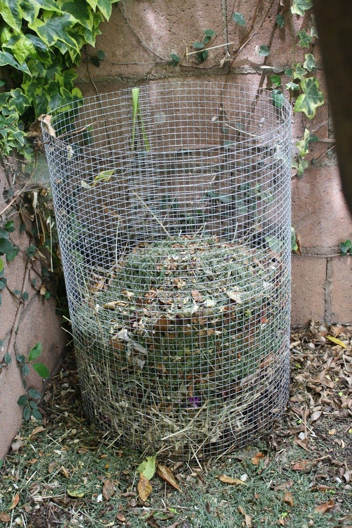how to make a wire mesh composter