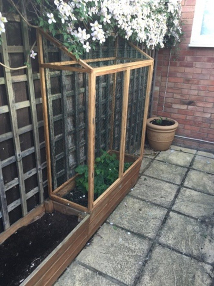 1000 Ideas About Enclosed Bed On Pinterest: Build A Raised & Enclosed Garden Bed