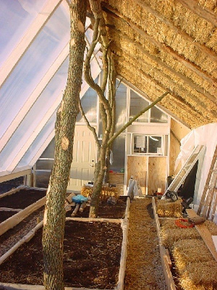 Build A Straw Bale Greenhouse Diy Projects For Everyone