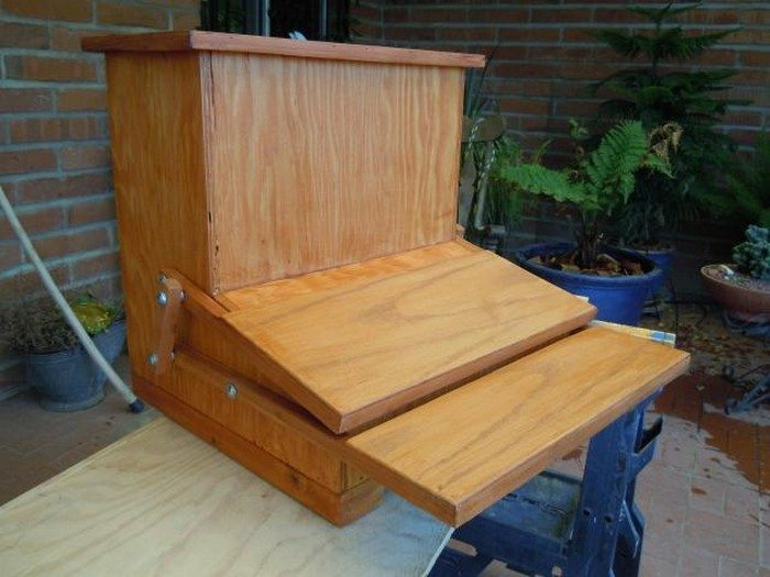 Build your own treadle chicken feeder | DIY projects for everyone!