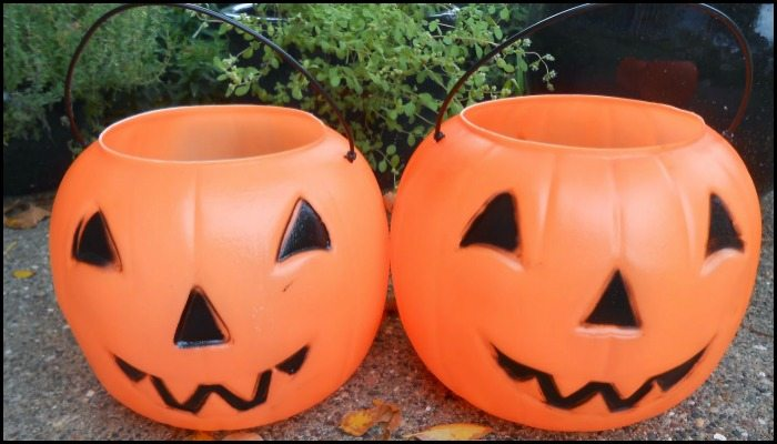 Make a concrete pumpkin planter for your garden this fall!