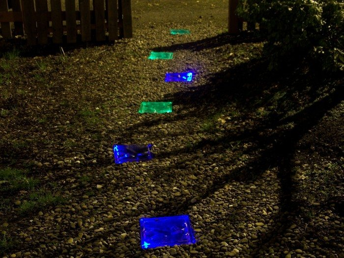 How to make solar powered stepping stones diy projects for Solar powered glow stepping stones
