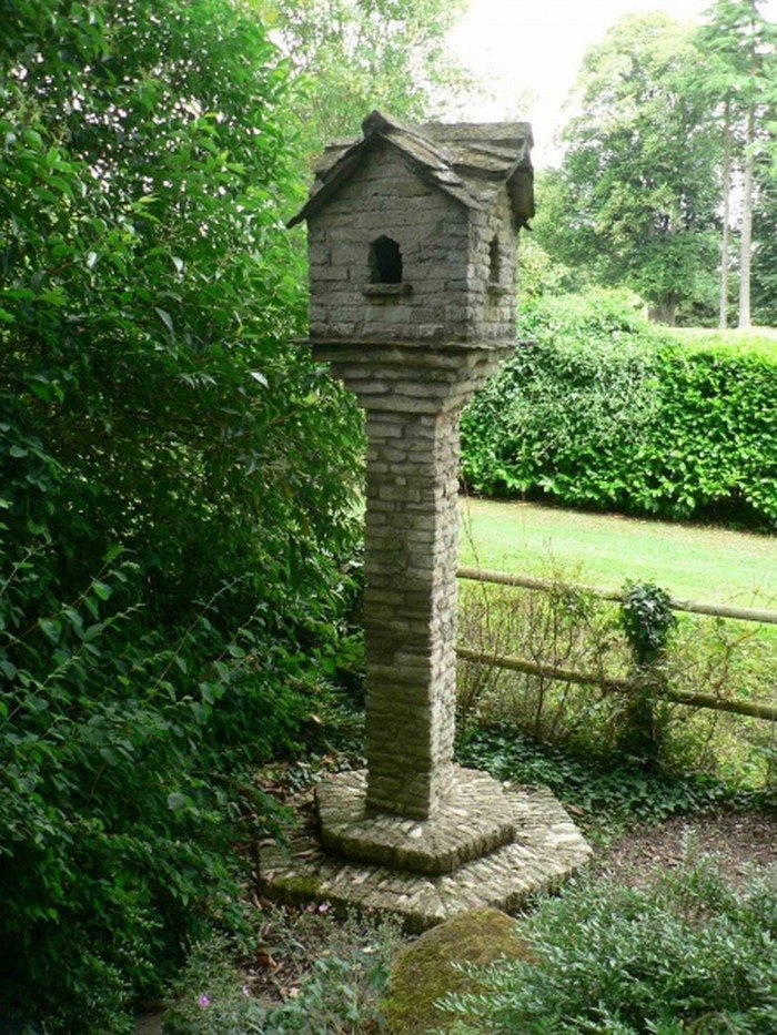 Make An Adorable Stone Bird House For Your Garden Diy