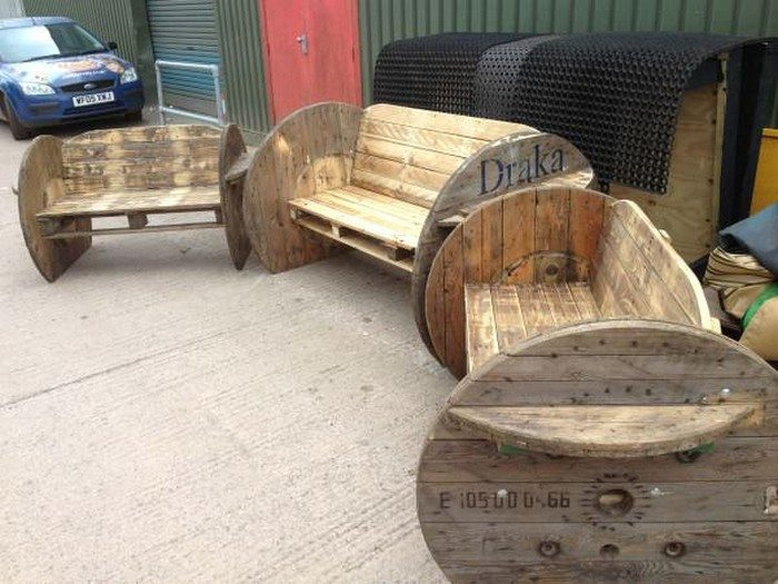 How to build a garden bench from a wooden cable reel | DIY projects ...