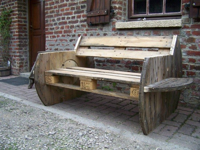 How To Build A Garden Bench From A Wooden Cable Reel Diy