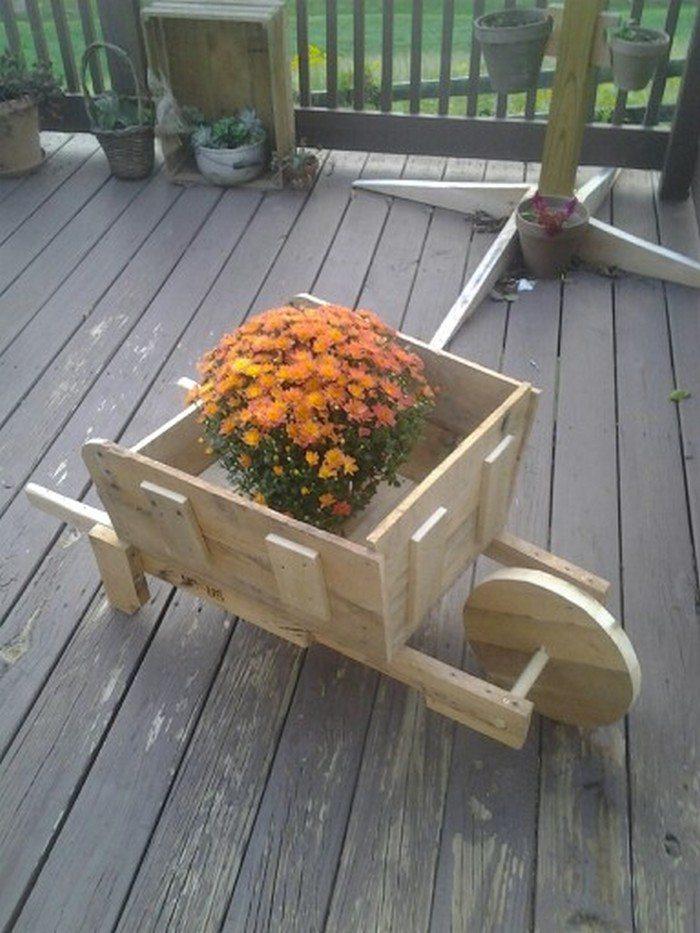 Build A Pallet Wheelbarrow For Your Garden Diy Projects