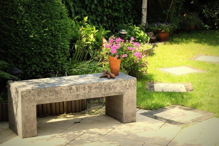 How to build a concrete garden bench