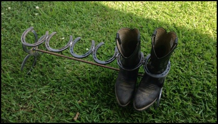 How to build a boot rack from horseshoes