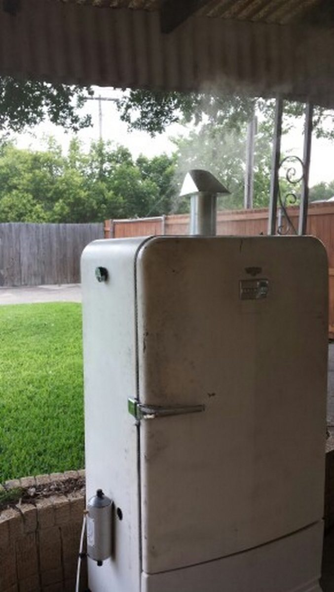 Turn An Old Fridge Into A Smoker Diy Projects For Everyone
