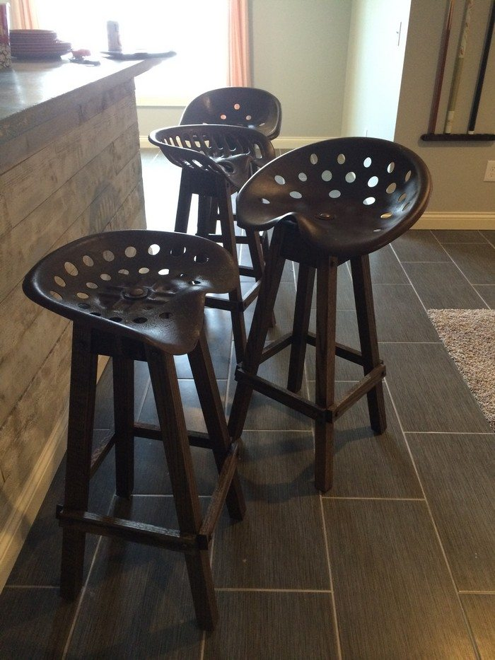 Tractor Seat Bar Stool DIY projects for everyone : Tractor Seat Bar Stools 4 from diyprojects.ideas2live4.com size 700 x 933 jpeg 110kB