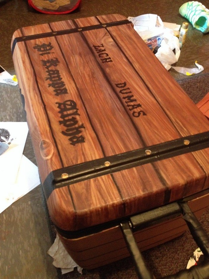 Build an awesome treasure chest cooler! | DIY projects for ...