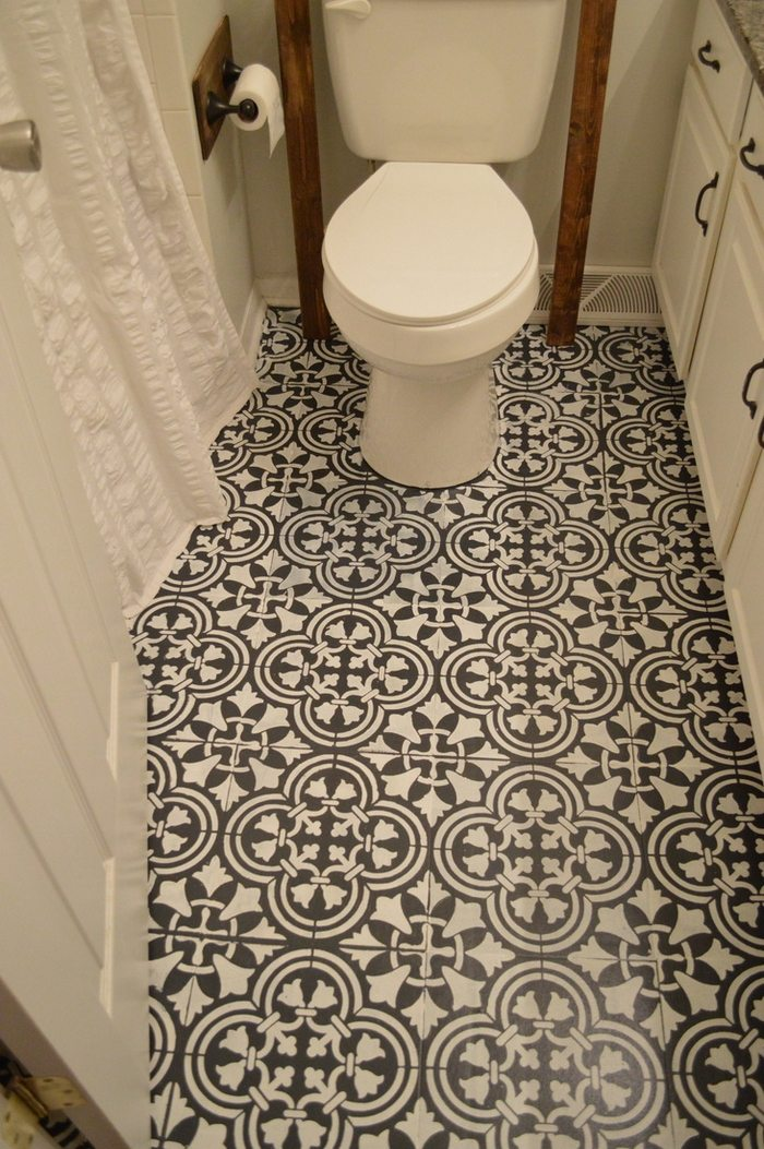 Give Your Bathroom A New Look By Chalk Painting Floor Tiles Diy Projects For Everyone